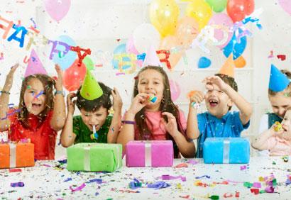 Pourquoi ne pas souligner l'anniversaire de votre enfant chez Quilles Mont-Joli?